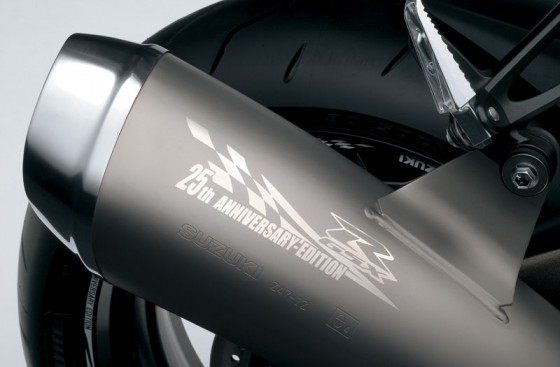 2010-Suzuki-GSX-R-1000Z-25th-Anniversary_exhaust