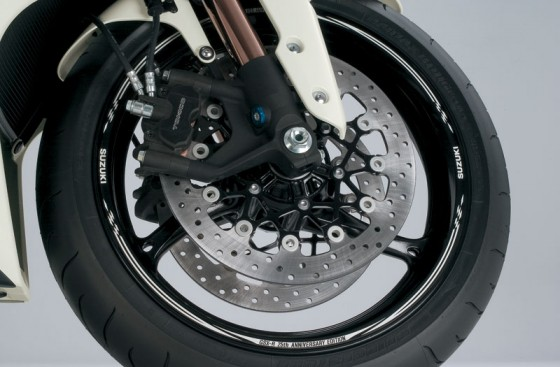 2010-Suzuki-GSX-R-1000Z-25th-Anniversary_wheel